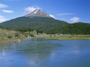 ラパタイア川とコンドル山の写真素材 [FYI04082785]