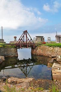 大間港のトラス橋の写真素材 [FYI04083043]