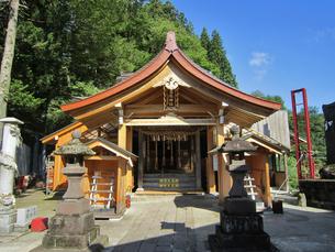 高龍神社の拝殿の写真素材 [FYI04083048]