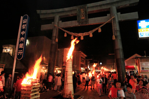 吉田の火祭りの写真素材 [FYI04083082]