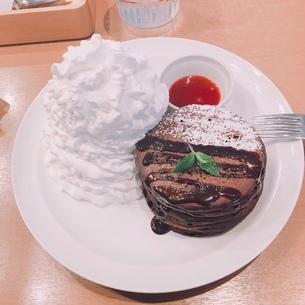 チョコレートパンケーキの写真素材 [FYI04083373]