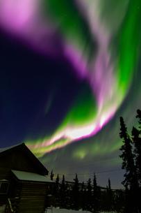アラスカ フェアバンクスのオーロラの写真素材 [FYI04083588]