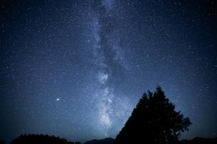 天の川の写真素材 [FYI04083709]