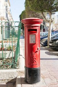 マルタ共和国の赤いポストの写真素材 [FYI04084176]