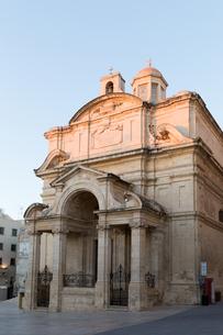 マルタ共和国 世界遺産ヴァレッタ旧市街 勝利の聖母教会の写真素材 [FYI04084203]