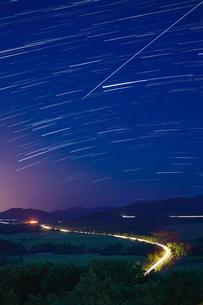 星の軌跡の写真素材 [FYI04084489]