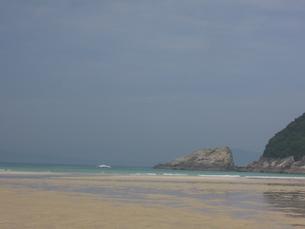 日本一の美しさを誇る天然の高浜海水浴場の写真素材 [FYI04084560]