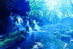 元滝伏流水の写真素材 [FYI04084838]