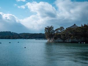 宮城県の松島湾にある瑞巌寺の五大堂。国の重要文化財に指定されている。の写真素材 [FYI04086066]