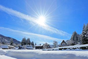 世界文化遺産 冬の相倉合掌造り集落の写真素材 [FYI04086409]