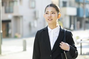 笑顔の日本人ビジネス女性の写真素材 [FYI04087565]