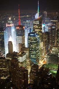 エンパイアステートビルから見えるニューヨークの夜景の写真素材 [FYI04088577]