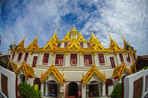 ワット・ラチャナダラム ロハプラサート(タイ王国 バンコク)の写真素材 [FYI04088630]