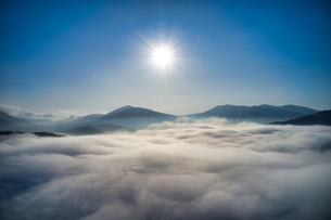雲海の空撮の写真素材 [FYI04089255]