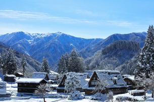 世界文化遺産 冬の相倉合掌造り集落の写真素材 [FYI04089286]