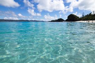 沖縄県座間味ビーチの写真素材 [FYI04089844]