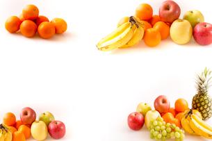 白背景のフルーツの写真素材 [FYI04089892]