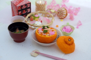 お花畑のみかんずしで雛祭りの写真素材 [FYI04090621]