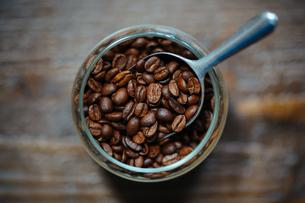 コーヒー豆の写真素材 [FYI04091187]