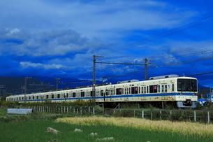 江ノ島線開業90周年記念の小田急8000形の写真素材 [FYI04092369]