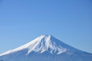 青天に富士山の写真素材 [FYI04092692]