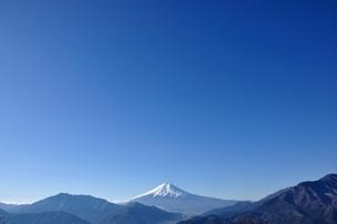 青天に富士山の写真素材 [FYI04092698]