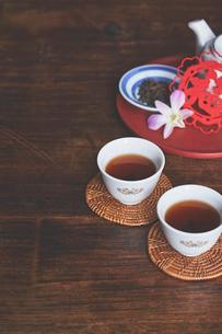 台湾茶と茶杯の写真素材 [FYI04093220]