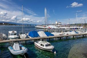 スイス、ジュネーブ、レマン湖の風景の写真素材 [FYI04093621]