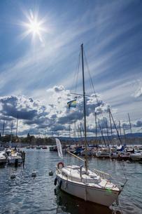 スイス、ジュネーブのレマン湖風景の写真素材 [FYI04093707]