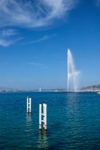 スイス、ジュネーブ、レマン湖と大噴水の写真素材 [FYI04093774]