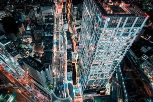 俯瞰で望む渋谷の夜景の写真素材 [FYI04093926]