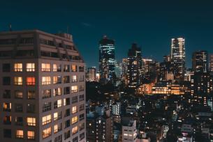 東京都心の夜景の写真素材 [FYI04093996]