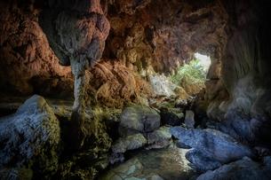 西表島の洞窟の写真素材 [FYI04094195]