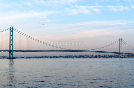 明石海峡大橋の写真素材 [FYI04094709]