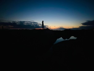 太陽が沈んだ後の写真素材 [FYI04095291]