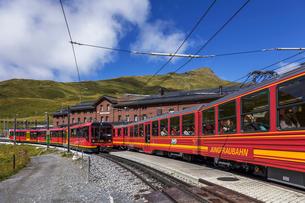 スイスの登山鉄道、ユングフラウ鉄道の写真素材 [FYI04095305]