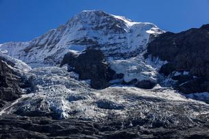 スイス、ユンングフラウと氷河の写真素材 [FYI04095329]