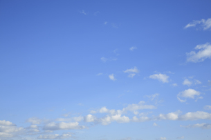 青空と雲の写真素材 [FYI04095569]