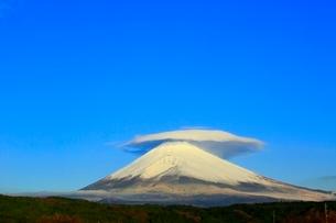 富士山と笠雲の写真素材 [FYI04095895]
