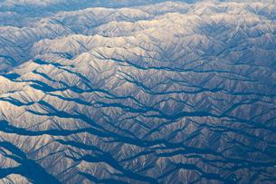 空から見た冬の北海道  日高山脈の写真素材 [FYI04096687]