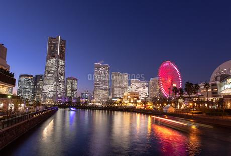横浜の夜景 みなとみらいの写真素材 [FYI04096719]