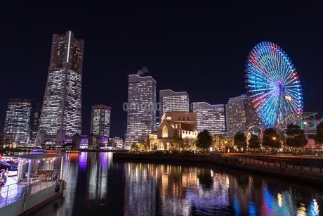 横浜の夜景 みなとみらいの写真素材 [FYI04096726]