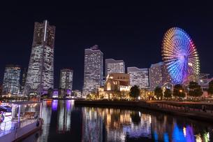 横浜の夜景 みなとみらいの写真素材 [FYI04096729]