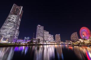 横浜の夜景 みなとみらいの写真素材 [FYI04096732]