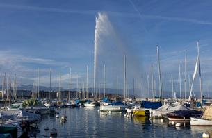 スイス、ジュネーブ、レマン湖と大噴水の写真素材 [FYI04097280]