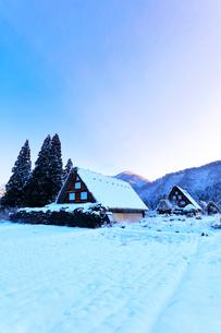 世界文化遺産 冬の白川郷の写真素材 [FYI04097291]