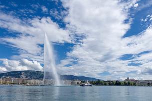 スイス、ジュネーブ、レマン湖と大噴水の写真素材 [FYI04097320]