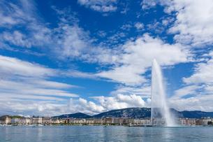 スイス、ジュネーブ、レマン湖と大噴水の写真素材 [FYI04097321]