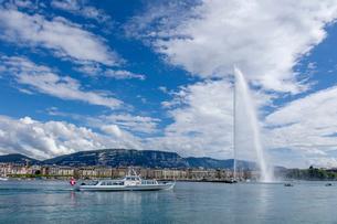 スイス、ジュネーブ、レマン湖と大噴水の写真素材 [FYI04097324]