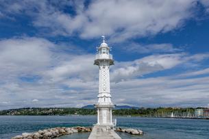 スイス、ジュネーブ、レマン湖と灯台の写真素材 [FYI04097352]